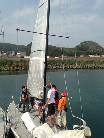 台灣走透重型帆船